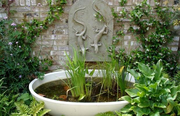 ornamental kitchen garden: sustenance in the city