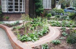 fan of 30s art deco front garden